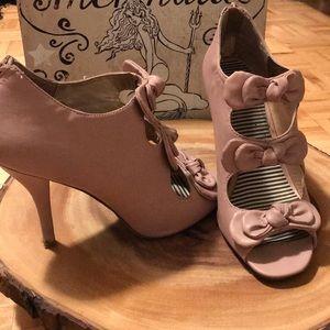 olsenboye bow heels